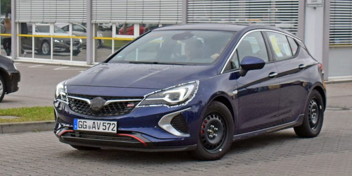 opel-astra-gsi-spy-1-front