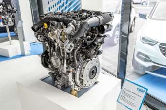 Award winner: Opel uses the Groupe PSA PureTech three-cylinder petrol engines in the Crossland X, Grandland X and, in the near future, in Combo and Combo Life.