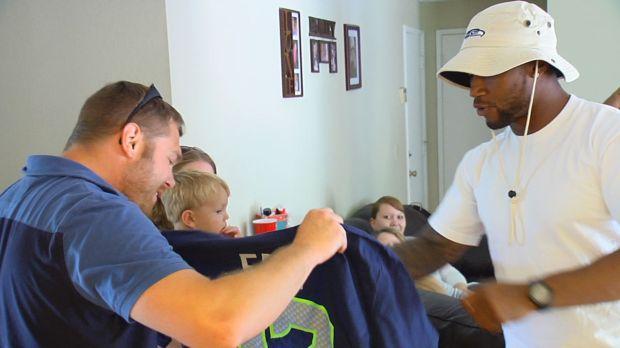Seahawks Surprise a Purple Heart Recipient