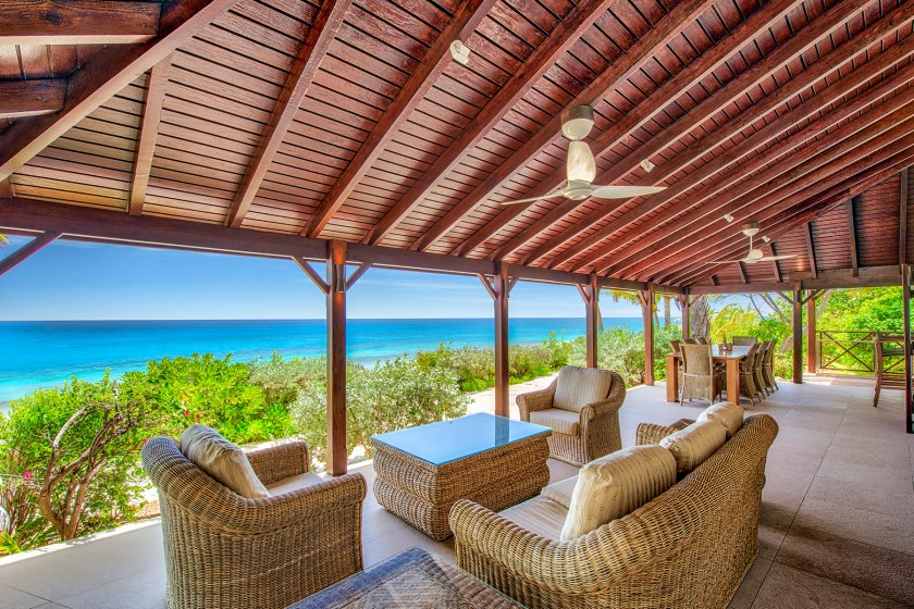 12-BlueBeach-OutdoorSeating