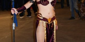 Dark Elf sorceress from Warhammer Online cosplay by SxyBlood cosplay