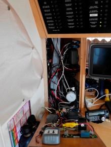 Kabelsalat beim Wechseln der Raymarine-Geräte