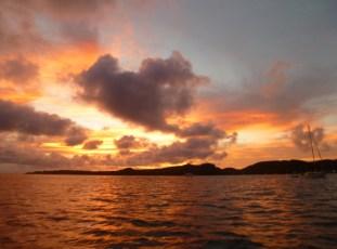 Sonnenuntergang in der Whisper Cove Bay