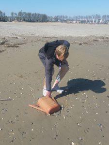 Stefan sammelt - hier eine 12-Liter-Gießkanne