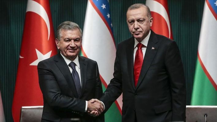 أردوغان يبحث مع نظيره الأوزبكي خلال اتصال هاتفي جرى بينهما الأربعاء