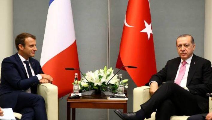 اردوغان مع الرئيس الفرنسي إيمانويل