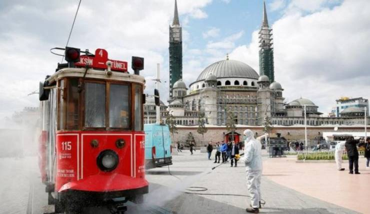 كورونا - تركيا تسجل انخفاضا..في المعدل اليومي للوفيات والإصابات بفايروس بكورونا