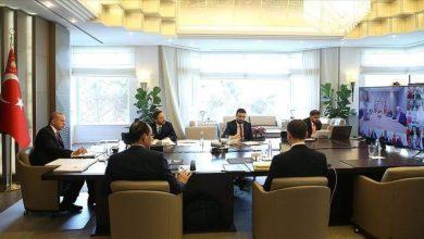صورة أردوغان يجتمع بالحكومة عبر دائرة تلفزيونية مغلقة
