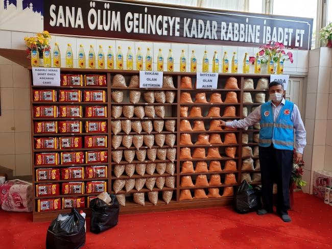 ولاية تركية…تحول المسجد إلى سوق خيري للمحتاجين