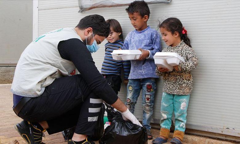 5f25a044e6184fb99b6800f657c62c2c - مساعدات رمضانية تركية لأيتام في إدلب السورية.