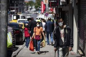 بورصة .. غرامة مالية لمن لا يرتدي الكمامة في 8 أحياء أغلبها من السوريين
