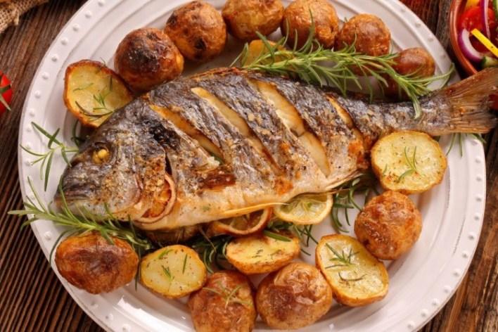 .jpg - وزير تركي يطلب من المواطنين الإكثار من تناول السمك.. ما السبب!