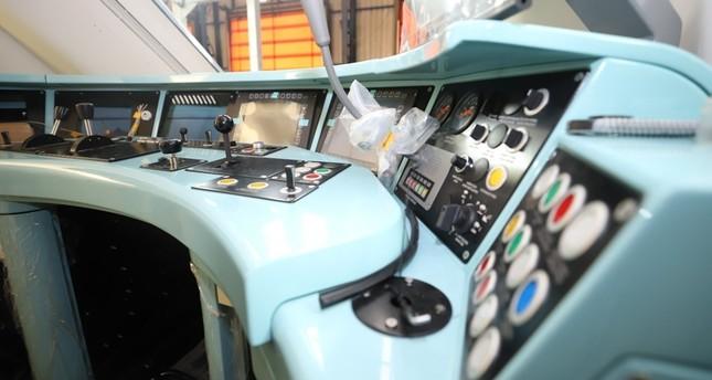 3511 - تركيا..تطلق أول قطار كهربائي محلي الصنع..(صورة)