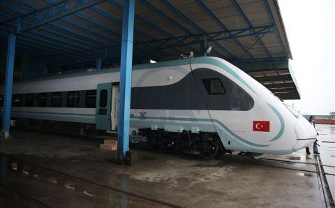 تركيا..تطلق أول قطار كهربائي محلي الصنع..(صورة)