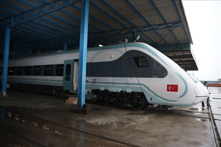 thumbs b2 44c84f163a16ba12fd2165e5f919aa07 - تركيا..تطلق أول قطار كهربائي محلي الصنع..(صورة)
