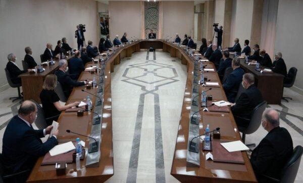 الأسد أمام مجلس الوزراء مدى بوست 1 600x362 - بشار الأسد يقرُّ بوجود الفساد في سوريا.. ينتشر في الدولة والمجتمع - Mada Post
