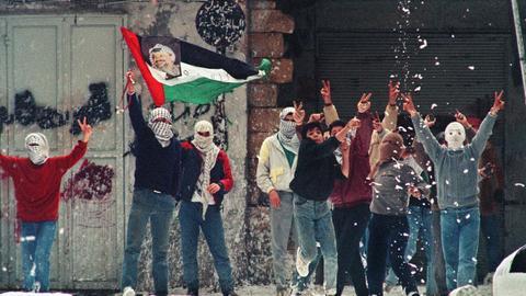1601291569 9010848 2475 1394 14 165 - 20 عاماً على الانتفاضة.. الفلسطينيون يتذكرون الألم والتطبيع يتجاهل المعاناة