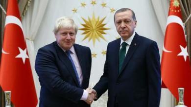 صورة أردوغان وجونسون يبحثان التوتر بين أذربيجان وأرمينيا