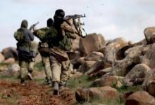 """صورة بينهم ضابط.. فصائل """"الفتح المبين"""" تفتك بمجموعة من الميليشيات الإيرانية غربي حلب"""