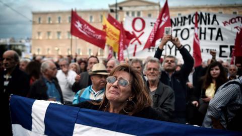 203831 4879 2748 4 69 - الاقتصاد اليوناني المتصدع لا يقوى على المغامرات العسكرية
