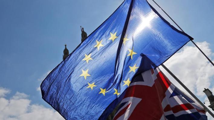 يأتي انسحاب بريطانيا بعد 3 أعوام ونصف عام من تصويت البريطانيين بنسبة 52% لمصلحة الخروج من الاتحاد
