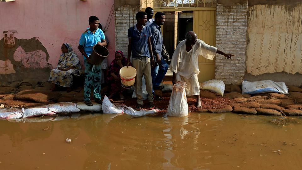مجلس الدفاع والأمن السوداني أعلن حالة الطوارئ في جميع أنحاء البلاد لمدة 3 أشهر لمواجهة السيول والفيضانات