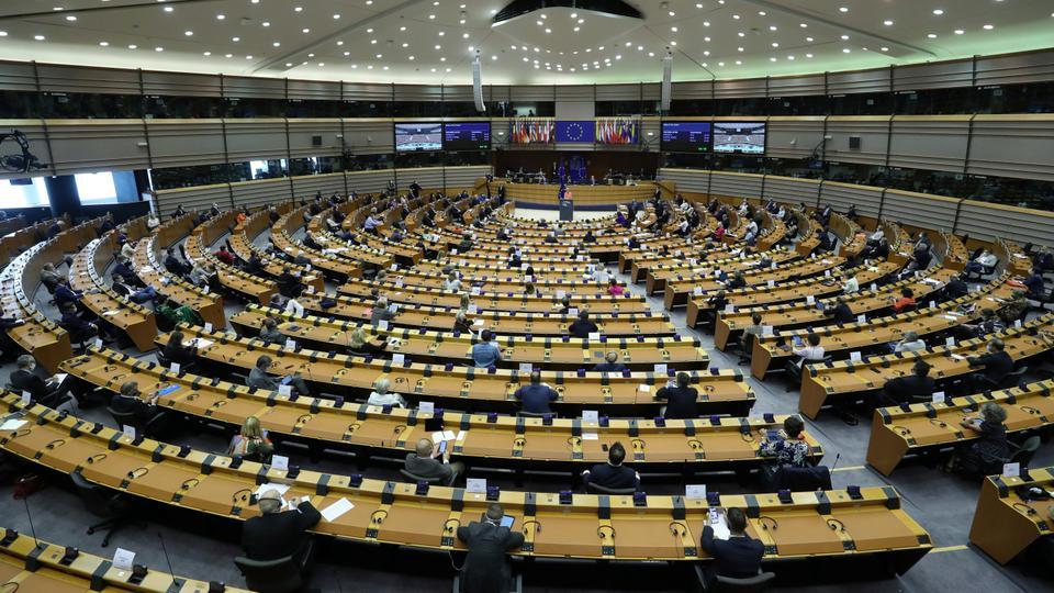 البرلمان الأوروبي يتبنى قراراً يدعو دول الاتحاد لعدم بيع أسلحة إلى السعودية والإمارات بسبب الحرب في اليمن
