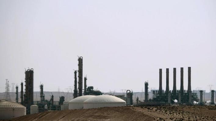 سبق أن أعلنت مؤسسة النفط الليبية أن إجمالي خسائر إغلاق المواني والحقول النفطية بلغ نحو 8 مليارات و221 مليون دولار