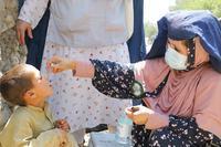 صورة استئناف حملات التطعيم ضد شلل الأطفال في أفغانستان وباكستان بعد توقف بسبب كوفيد-19