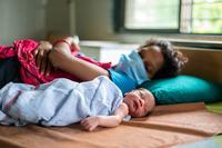 """الأطفال الصغار والمواليد الجدد """"ضحايا كوفيد-19"""" بسبب حرمانهم من الوصول للخدمات المنقذة للحياة"""