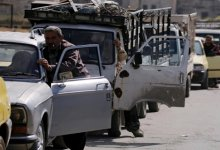 صورة بعد وصول ناقلة نفط من إيران.. صورة متداولة لسوريين ينامون في الطرقات انتظاراً للوقود