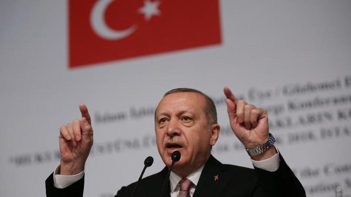 أردوغان:قيام فرنسا التي تعتبر نفسها قلعة العلمانية والحريات، بعرض الرسوم الكاريكاتورية المسيئة إلى النبي محمد مرة أخرى، يعتبر من أبشع أشكال الابتذال