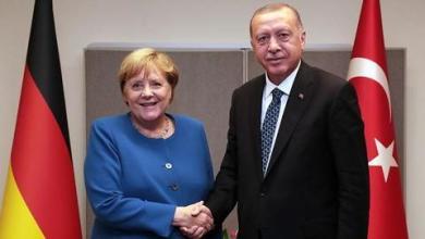 صورة أردوغان وميركل يبحثان التطورات في القوقاز وشرقي المتوسط