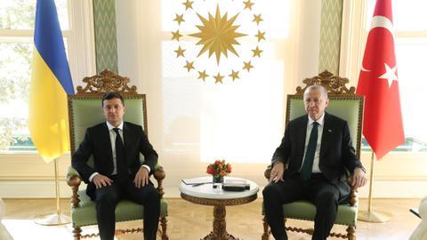 1602858261 9256132 5079 2860 39 4 - أردوغان يستقبل نظيره الأوكراني في إسطنبول