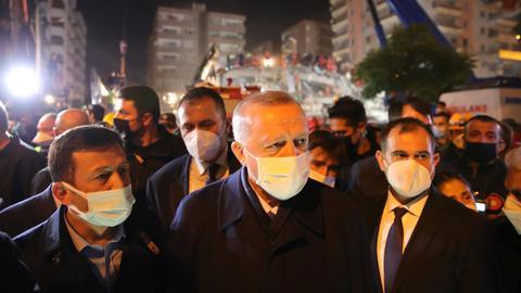 1604174603 9417062 3492 1966 35 385 - 88 دولة أعربت عن تضامنها مع تركيا إثر زلزال إزمير