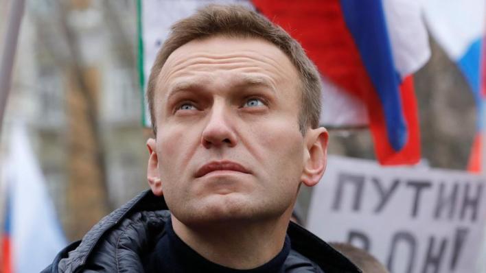 المعارض الروسي البارز أليكسي نافالني يحمِّل بوتين مسؤولية محاولة تسميمه