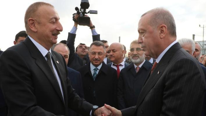علييف يهنئ أردوغان والشعب التركي بمناسبة عيد الجمهورية