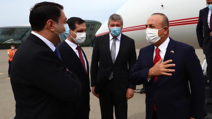 وزير الخارجية التركي مولود جاوش أوغلو يصل إلى أذربيجان لبحث آخر المستجدات في إقليم قره باغ