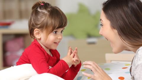 9148240 5307 2988 26 292 - كيف نربي أطفالاً أذكياء عاطفياً؟