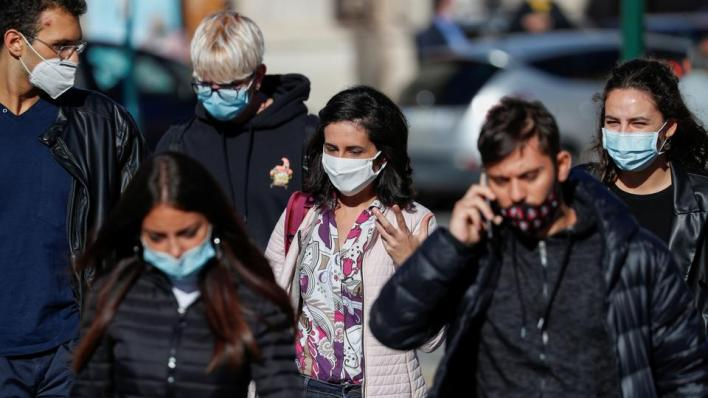 منظمة الصحة تسجل ارتفاعاً قياسياً في حالات الإصابة اليومية حول العالم