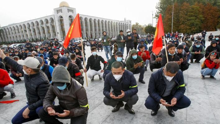 9182639 4731 2664 41 4 - مع استمرار الاضطرابات.. برلمان قرغيزستان يجتمع لبحث تشكيل حكومة جديدة