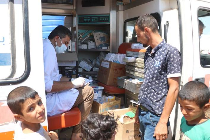 توزيع الأدوية للمرضى ضمن عمل العيادات