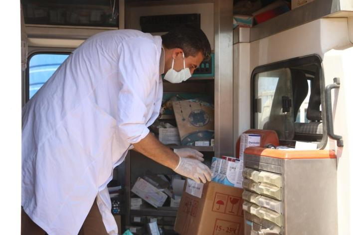 تجهيز العيادات المتنقلة بكافة المستلزمات الطبية