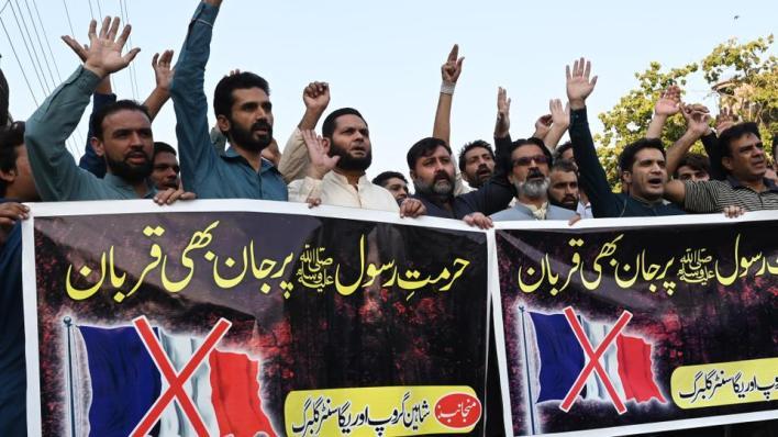 9365324 4064 2288 24 386 - باكستان تستدعي السفير الفرنسي وتطالب فيسبوك بحظر خطاب الإسلاموفوبيا