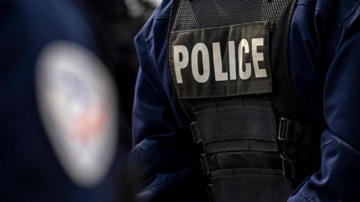 الشرطة الفرنسية تعلن أن المشتبه به في هجوم أفينيون ينتمي إلى اليمين المتطرف