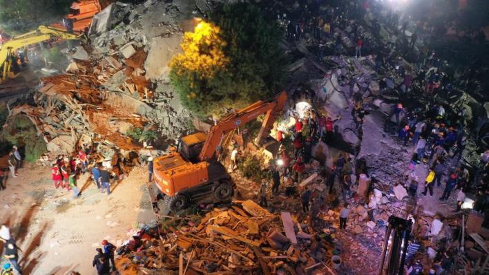 سارعت دول عربية وغربية الجمعة، إلى الإعراب عن تضامنها مع تركيا، إثر الزلزال الذي ضربولاية إزمير