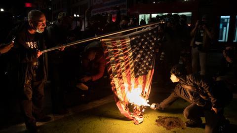 1604570867 9461603 5940 3345 29 327 - احتجاجات في الولايات المتحدة بسبب عدم حسم نتائج الانتخابات