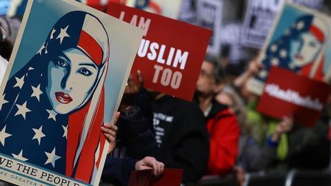 1605621709 9560814 854 481 4 2 - الإسلاموفوبيا في أمريكا.. مأسسة الكراهية واتساع رقعة الاعتداء على المسلمين
