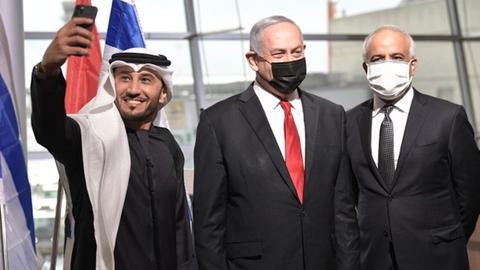 """1606400703 9633096 2241 1262 10 92 - """"التطبيع لا يمكن إيقافه"""".. نتنياهو يستقبل أول طائرة تجارية لـ """"فلاي دبي"""""""