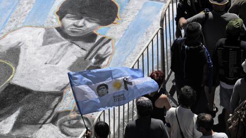 """1606406637 9633307 4086 2301 20 225 - الشعب الأرجنتيني ينزل الشوارع حزناً على """"مارادونا"""" ومحاميه ينتقد بطء إنقاذه"""